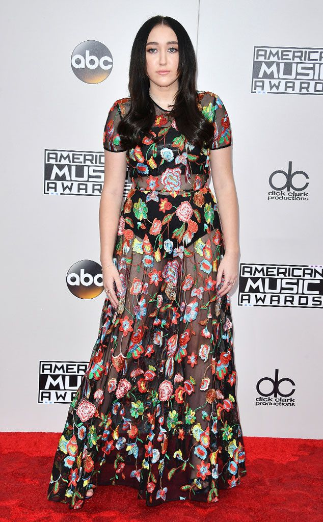 Noah Cyrus from 2016 AMAs Red Carpet Arrivals