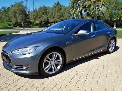 2014 Tesla Model S 85**Tech**$88,070 MSRP** LIke New Condition**