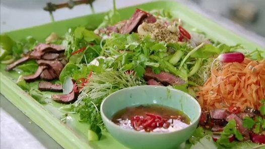 asiatischer Nudelsalat mit Steak