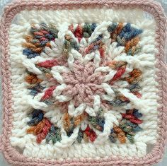This is crocheted from the outside in! FREE Pattern! Very cool square!