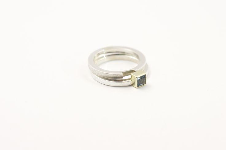 Aanschuif-ringen zilver 925 met Prinses geslepen Topaas in gouden zetting 585, 240 euro