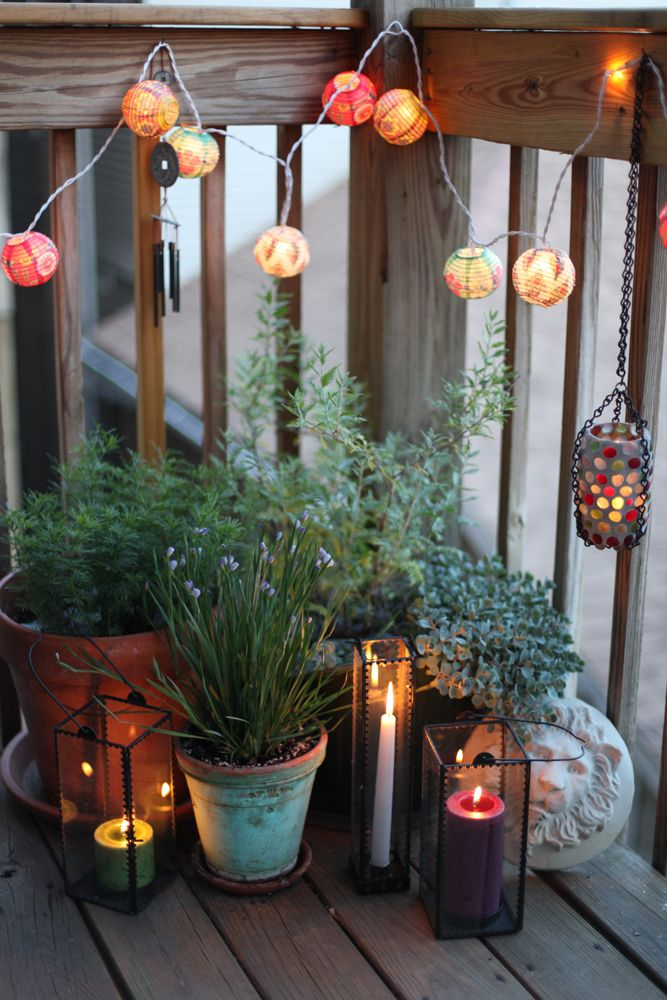 back deck easy decor... maybe I wouldn't kill outside plants.