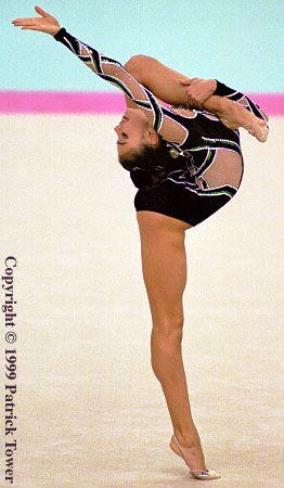 Alina Kabaeva. WHERE IS HER BACK?!?!?! #rhythmicgymnastics #ginnasticaritmica
