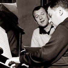 """Κύκλος έξι τραγουδιών για πιάνο και βαρύτονο, που γράφτηκαν από το συνθέτη το 1952.  Ο Μάνος Χατζιδάκις αναφέρει πως """"οι στίχοι αυτοί γράφτηκαν με τη μουσική τους. Κλίμα τους είναι η υγρασία ενός λιμανιού και θέμα ο χωρισμός. Είναι τραγούδια κι έτσι μονάχα ολοκληρώνουν αυτό που θέλησα να πουν"""" (Μυθολογία, εκδόσεις Ύψιλον). Πρώτος τραγούδησε τον Κύκλο του C.N.S. ο ηθοποιός και λυρικός τραγουδιστής Γιώργος Μούτσιος.  1. Με πνίγει ετούτη η θάλασσα 2. Ο αφέντης έφυγε πρωί 3. Μια θλιμμένη…"""