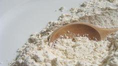 Красивые зубы и здоровые десны: готовим натуральный зубной порошок. Состав: мелкая морская соль/белая глина – 60 гр,  сода пищевая – 150 гр, масло кокоса - 1 ст. ложка, эфирное масло лимона – 5 капель, эфирное масло апельсина – 2 капли. (а вообще эфирные масла какие нравятся)