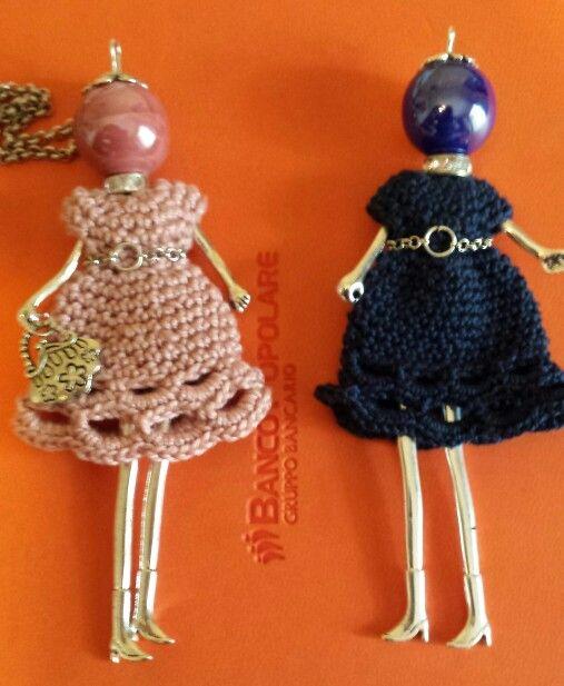 Bamboline con vestitino all'uncinetto fatte a mano