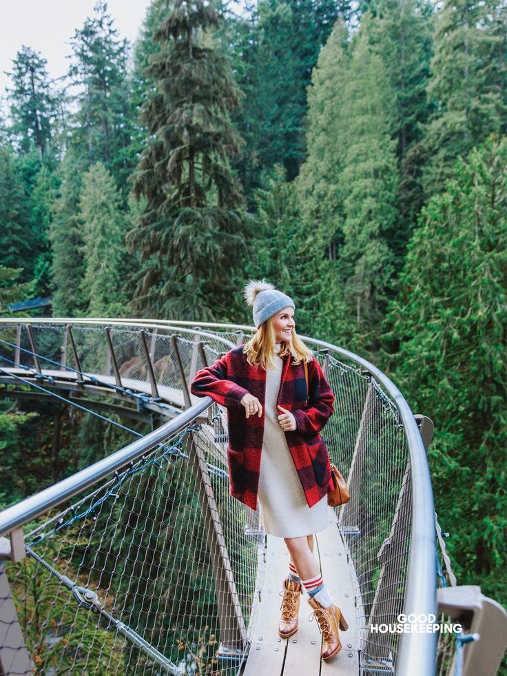 Lori Loughlin on Her Full House Wardrobe: 'I Regret Almost All of My Fashion Moments'
