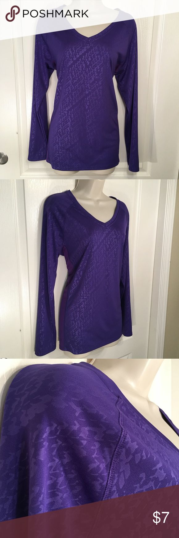 "C9 by Champion Athletic Long Sleeve Gently used, no flaws.  Measurements are Length: 27.5"" Bust: 42"" Sleeve Length: 24.5"" All measurements are taken with the article of clothing lying flat and relaxed. C9 by Champion Tops Tees - Long Sleeve"