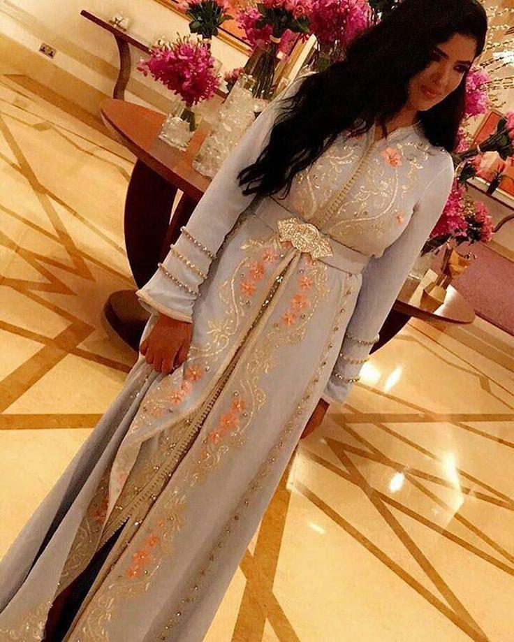 "Moroccan Princesses   Nuriyah O. Martinez   649 mentions J'aime, 4 commentaires - Maghreb & Oriental Luxury (@maghreb.oriental) sur Instagram : ""@avantgardemoroccandresses #caftan #mariage #mariagemarocain #marieemarocaine #wedding…"""