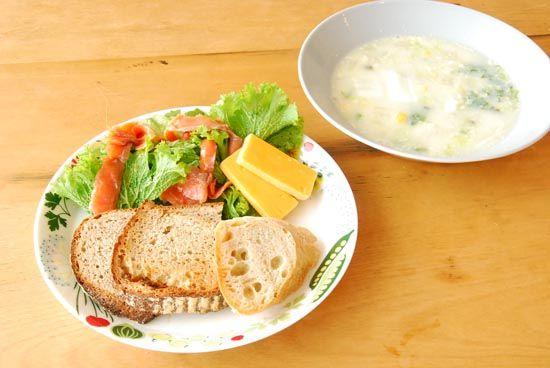 【クラシコムの社員食堂】北欧風ランチ。 – 北欧雑貨と北欧食器の通販サイト   北欧、暮らしの道具店