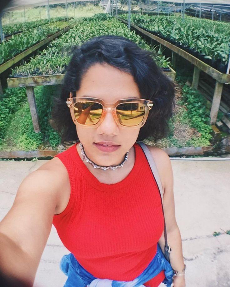 """69 curtidas, 3 comentários - Thálassa Coutinho • TC (@thalassacoutinho) no Instagram: """"Primeira selfie do ano na visita ao Orquidário Binot (coisa mar linda)! 💕 #ThaEmPetrópolis"""""""