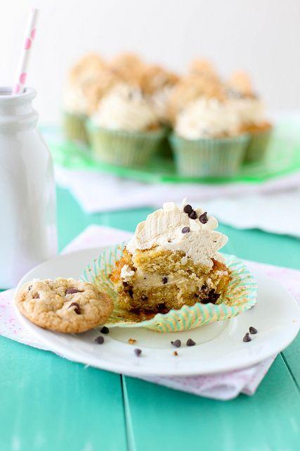 chocolate chip cookie dough cupcakesCookie Dough Cupcakes, Cookies Dough Cupcakes, Chocolate Chips, Fun Recipe, Chocolatechip Cookies, Chocolates Chips Cookies, Chocolate Chip Cookie, Favorite Recipe, Cupcakes Rosa-Choqu