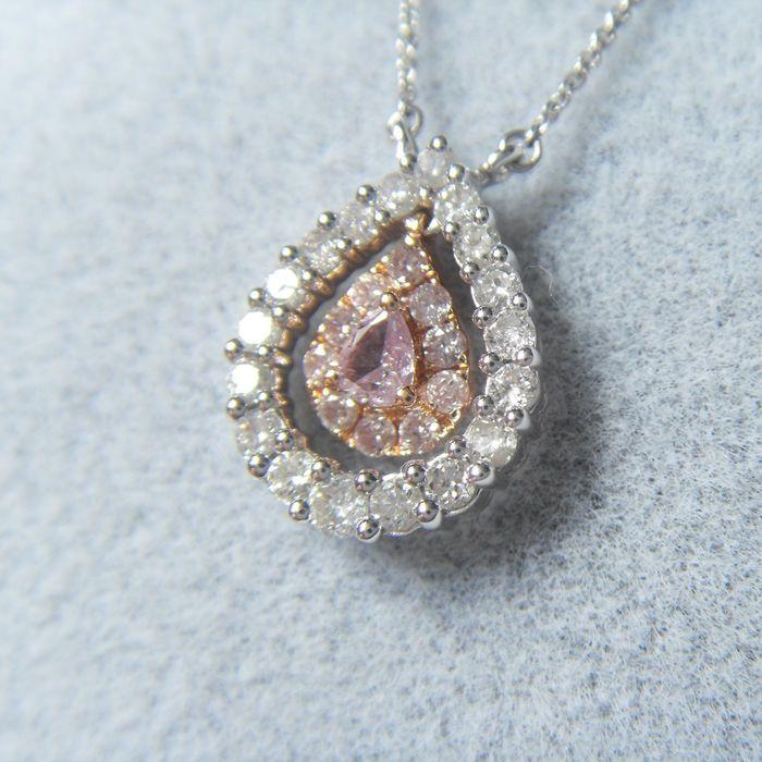 18kt ketting with0.395ct van diamant - 40 5cm  Roze diamanten halskettingMateriaal: 18K witgoud (AU750) diamantOmtrek: 405 cmSizependant 12mmMain roze diamant: 006 ctBelangrijkste diamant helderheid: SIBelangrijkste diamant kleur: Fancy rozeAlle diamant: 0.395 ctWitte diamant: 18 G/H SI1Gewicht: 2.173 gVerzending: EMSMet het verpakken van sieraden doosGratis verzendingEdelstenen zijn vaak behandeld om kleur en helderheid te verhogen. Dit is niet onderzocht voor dit specifieke object.  EUR…