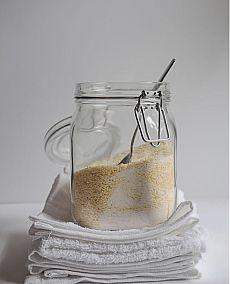 Как приготовить стиральный порошок своими руками. Для обычной загрузки стиральной машины — всего 1 столовая ложка способна отстирать белье от грязи.