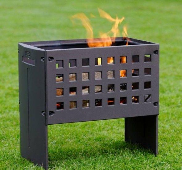 De #Helex OutFire vuurbox is een schitterende #buitenhaard en #grill in één. Zo is het mogelijk om eerst heerlijk te genieten van een lekker kampvuur, om daarna aardappelen te poffen in het as of vlees en groente te grillen met de grill- en warmhoudplaat. Voor de Helex OutFire vuurbox is gekozen voor de hoogste kwaliteit gietijzer, duurzaamheid en vormgeving. Met perfecte hittebestendige eigenschappen is de Helex OutFire vuurbox vormvast en hittebestendig. #Fireplace #Fireplaces