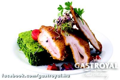 Rántott csirkemell sonkával töltve, búzakorpás panírban, sült parajkrémmel  Várjuk a rendelésedet 14 óráig:  http://www.gastroyal.hu/rendeles/etlap