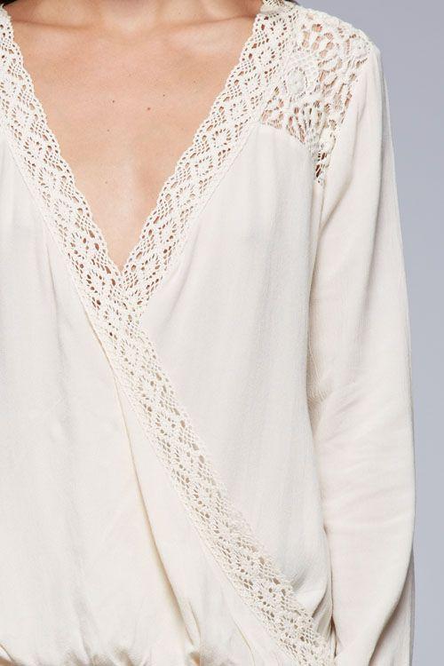 vanilla cream blouse CLOSE UP www.dandelionsboutiq.com