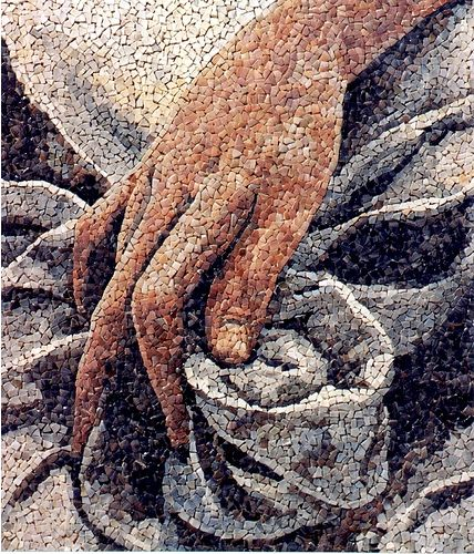 """mosaico-16 """" La mano """" (3-04-95) (46 x 52cm.) Coleccion Particular."""