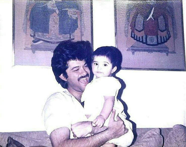 Sonam Kapoor posts an adorable throwback picture on dad Anil Kapoor's birthday. @filmywave   #celebritybirthdays #birthday #birthdaywishes #birthdayboy #birthdaygirl #happybirthday #birthdaycelebrations #celebrity #bollywood #bollywoodactor #bollywoodactress #filmywave