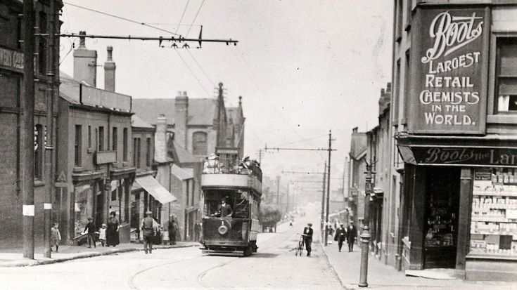 Ripley Rattler Tramcar No1 climbing the High street through Heanor