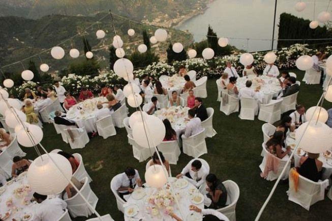 Decoration with white paper lanterns for outdoor wedding reception http://www.weddingsontheamalficoast.com/ravello-wedding-jackie-constantin-sinagra.html