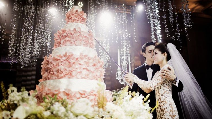 Everything you need to know to have the best New Year wedding