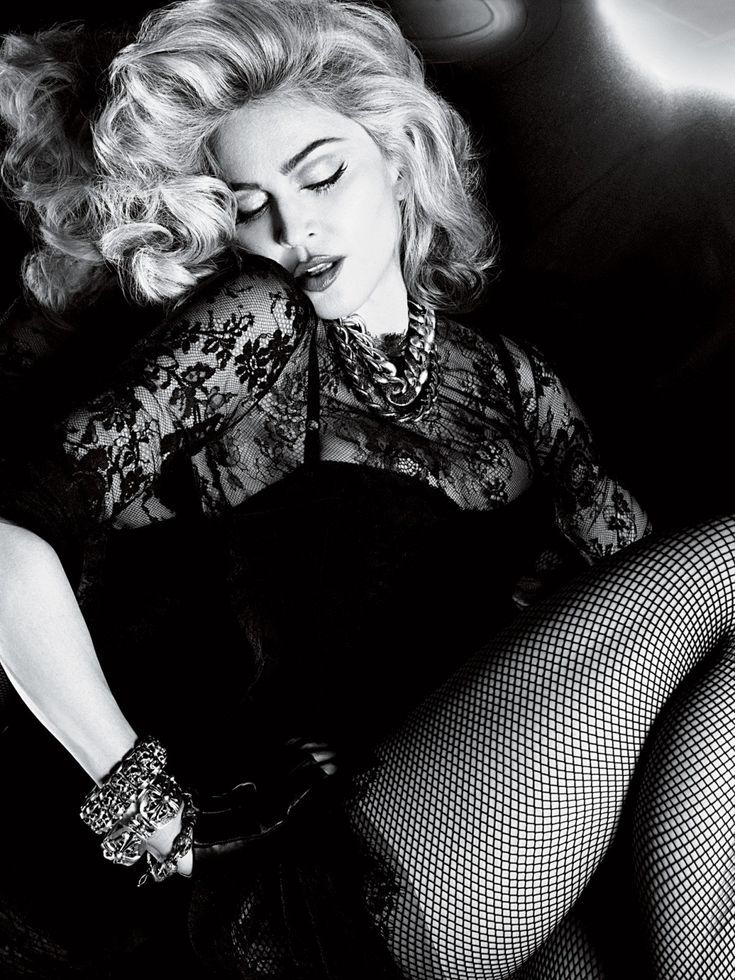 Madonna in 2020 | Madonna, Poses, Madona
