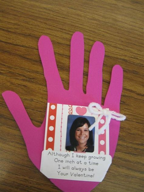 Need a parent gift idea for Valentine's Day? Here are two great ideas from Rachelle over at What the Teacher Wants!   Pretty Poems   For the younger set, this activity offers a festive way to review...