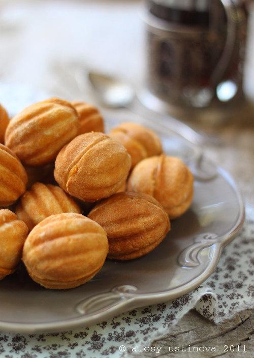 Oreshki - Russian walnut molded cookies filled with dulce de leche.