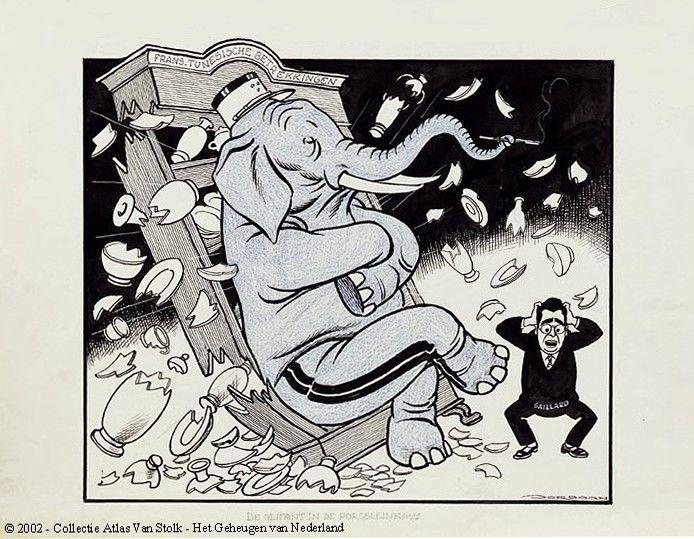 🐘 Als een olifant in de (... in een) porseleinkast 🐘 Betekenis: dat wordt gezegd over iemand die buitengewoon onvoorzichtig, tactloos of ruw is 🐘E: like a bull in a china shop 🐘F: comme un éléphant dans un magasin de porcelaine 🐘D: wie ein Elefant im Porzellanladen 🐘I: come un elefante in un negozio di porcellane 🐘S: como un elefante en una cacharrería 🐘P: como elefante em loja de porcelanas