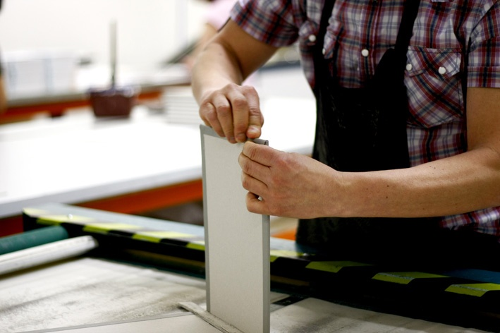 All our books are hand-crafted by our team of experts.  http://www.momentopro.com.au/