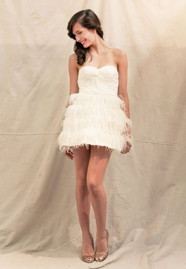 Une robe de mariée à plumes