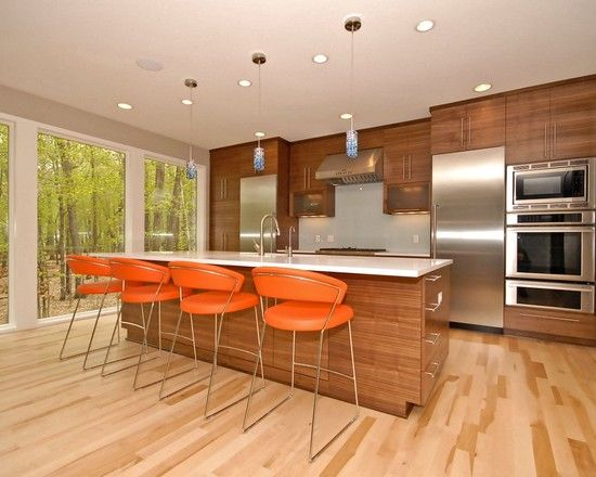 Love the windows, the set up of the kitchen as well as all the colors of the floor and cabinets