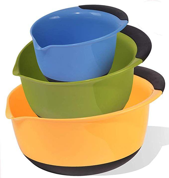 Szuah Plastic Mixing Bowl Set Of 3 Nesting Mixing Bowls With Pouring Spout Good Grip Handle Plastic Mixing Bowls Mixing Bowls Set Bowl