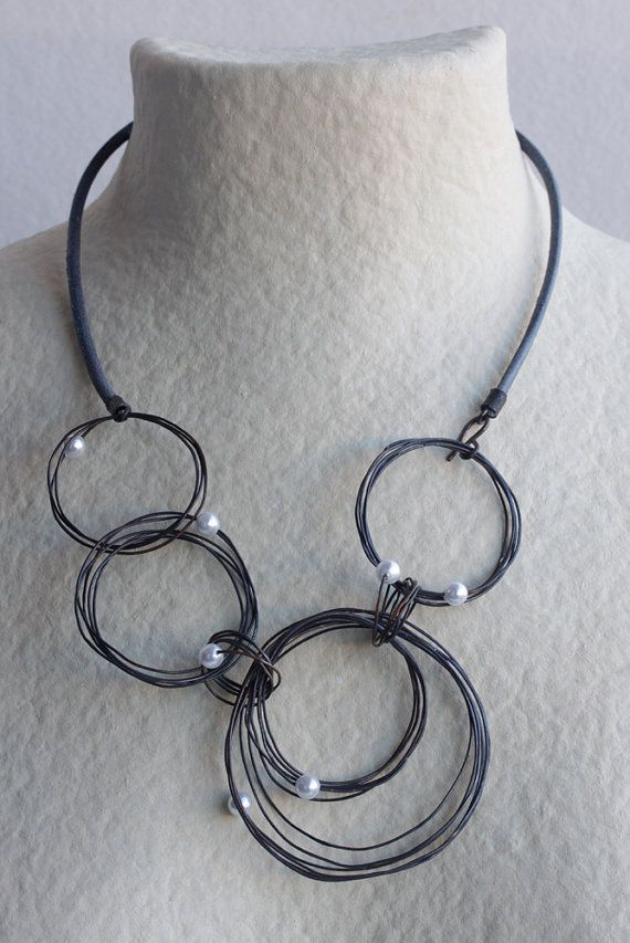 Irregular Circles Necklace with Pearls by mardecoLorrosa on Etsy