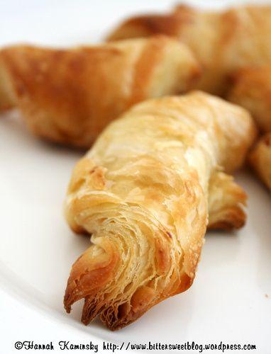 Vegan croissants - met meel voor brood, droge gist, water, zout, suiker, margarine