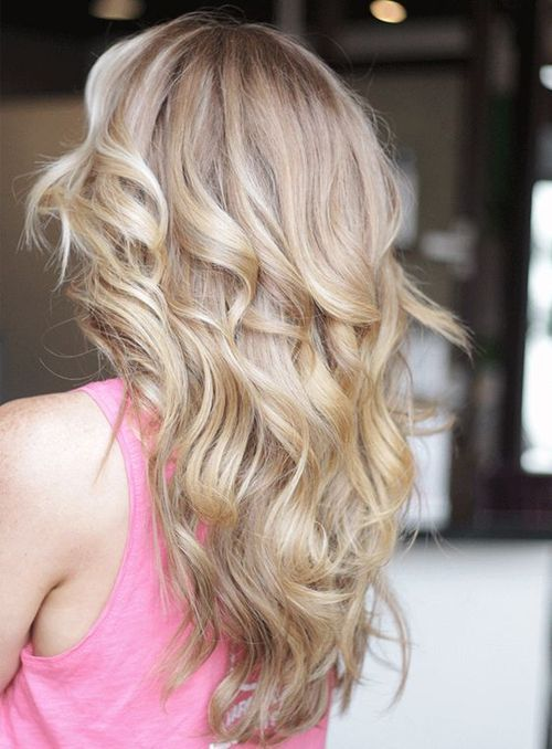 12 der vertrauenswürdigen langen gewellten Frisuren für einen hervorragenden Look