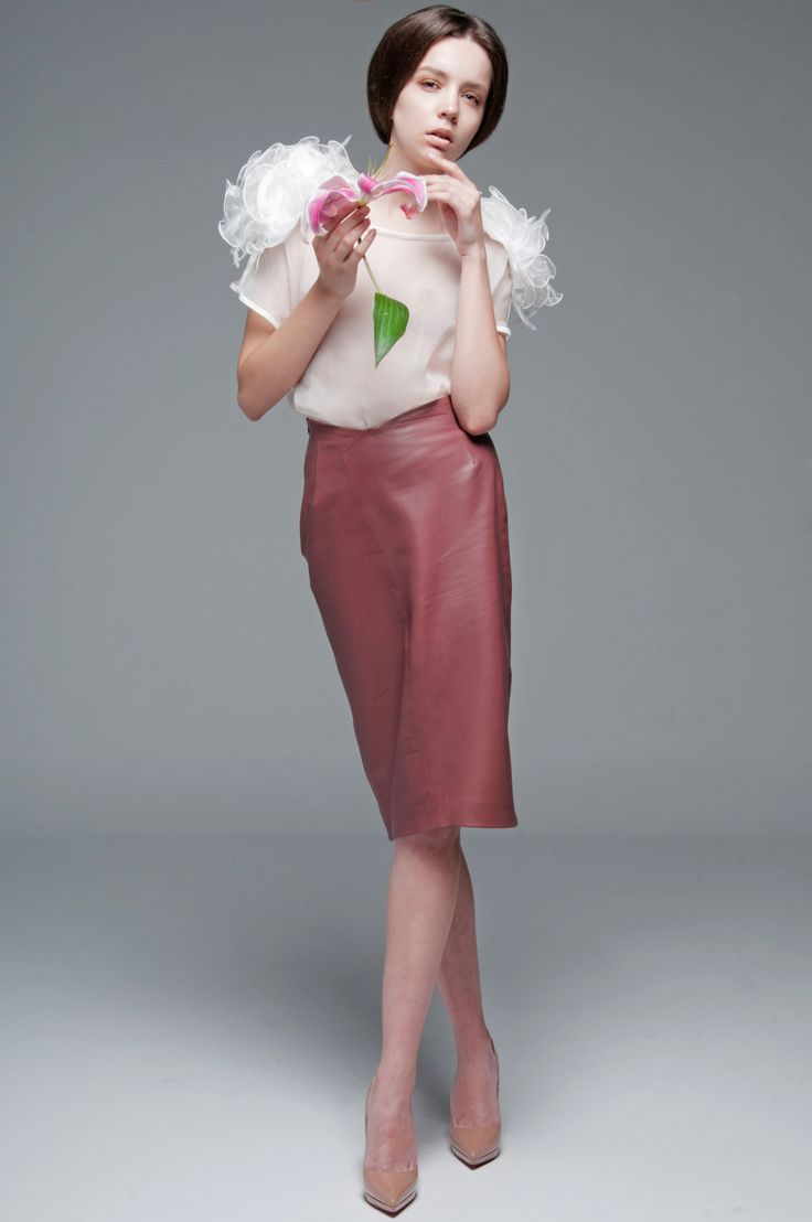 Mature Pink Leather Pencil Skirt