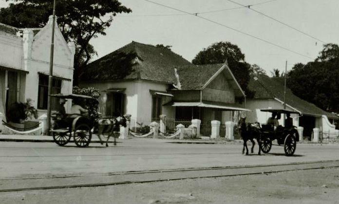 Straat te Soerabaja Circa 1923 (Collections KITLV)