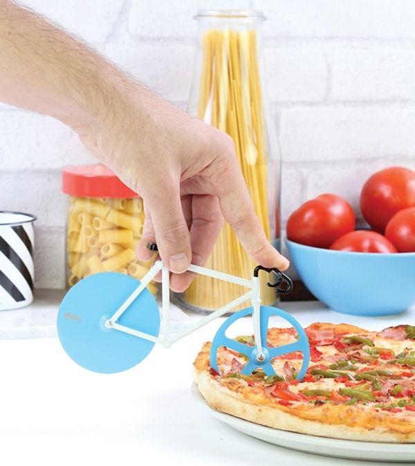 Cortador de pizzas con forma de bicicleta