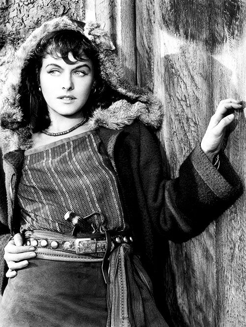 Paulette Goddard - North West Mounted Police (1940), Cecil B. DeMille