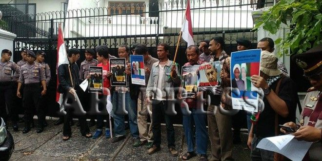 Aliansi Anti Perang Kembali Demo Kedubes Nigeria http://bit.ly/1k4ac8w