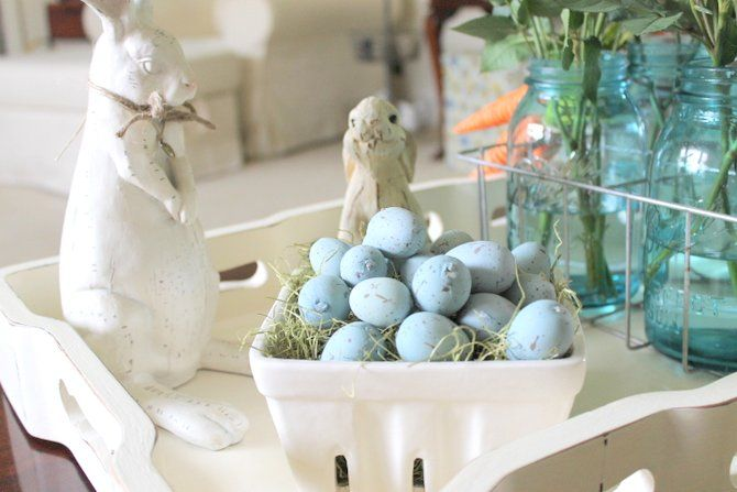 A rundown of easy and quick Easter decorating Ideas that are inexpensive, festive and fun.