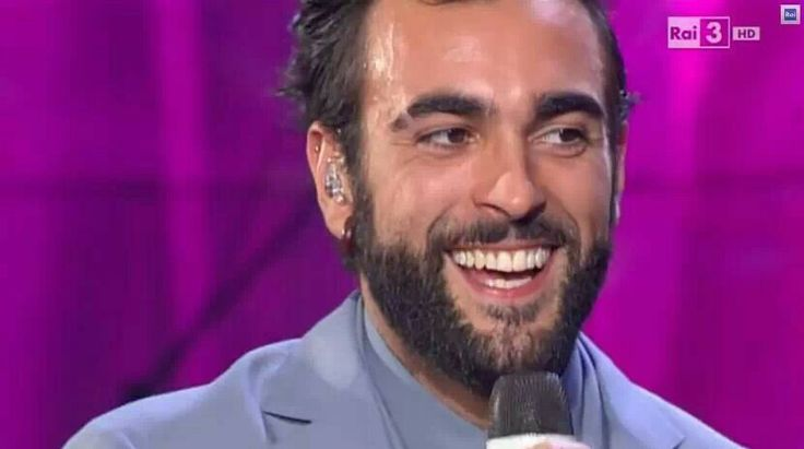 7 dicembre.... Marco ringrazia per il doppio platino non dedicando, ma dividendo il premio con il pubblico. E a Che tempo che fa è meraviglioso, sia a cantare nonostante il raffreddore, che a rispondere alle domande di un sempre più affettuoso Fazio. Poi raggiunge Bari in serata.