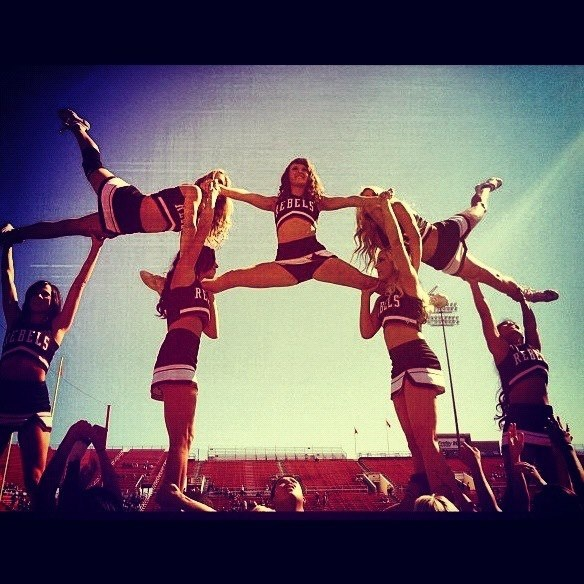great cheerleading pyramid