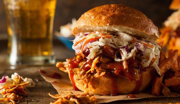 So gelingt der perfekte Pulled Beef-Burger