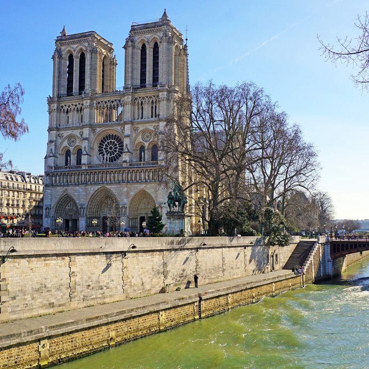 The Best Thing to Eat Near Every Major Paris Landmark