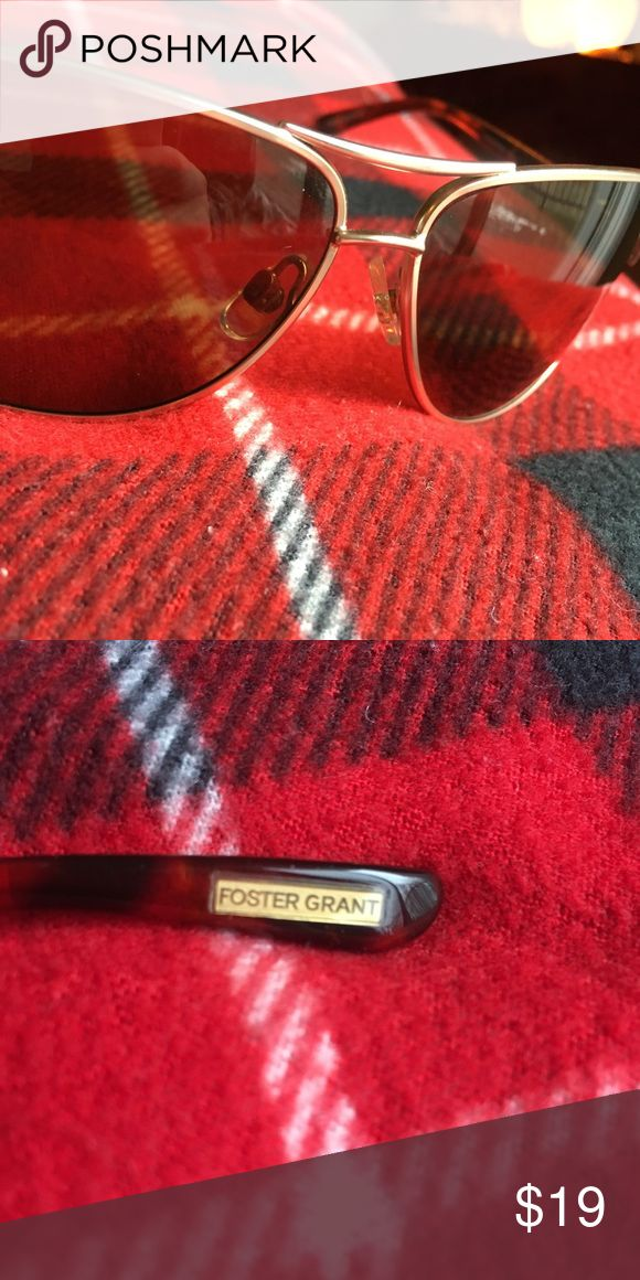 FOSTER GRANT SUNGLASSES Every item I sell is guaranteed authentic, lightly worn (unless otherwise stated such as NWT) always feel free to send offers and ask questions, I'm here to help 😄 Foster Grant Accessories Glasses