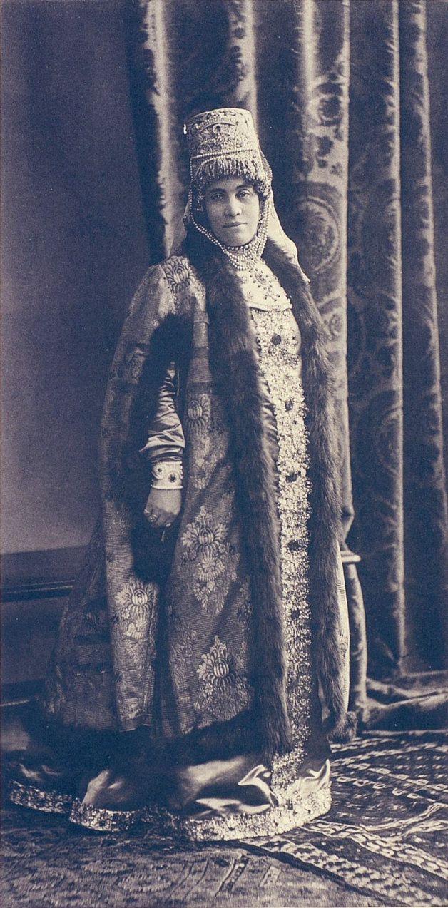 Countess Golenistchew-Kutuzov, nee Goulievitch (Female seigniorial seventeenth century).....029 by klimbims on deviantART