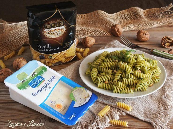pasta al gorgonzola e crema di rucola.